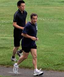 Det var under en joggingtur den 26 juli som Frankrikes president Nicolas Sarkozy kollapsade och fick föras till sjukhus i ilfart.