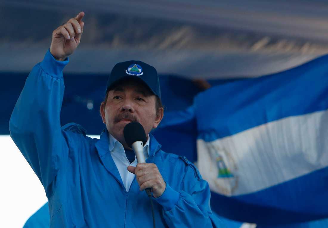 En oppositionsgrupp, som kräver att Nicaraguas president Daniel Ortega avgår, säger sig ligga bakom flera explosioner i helgen. Arkivbild.