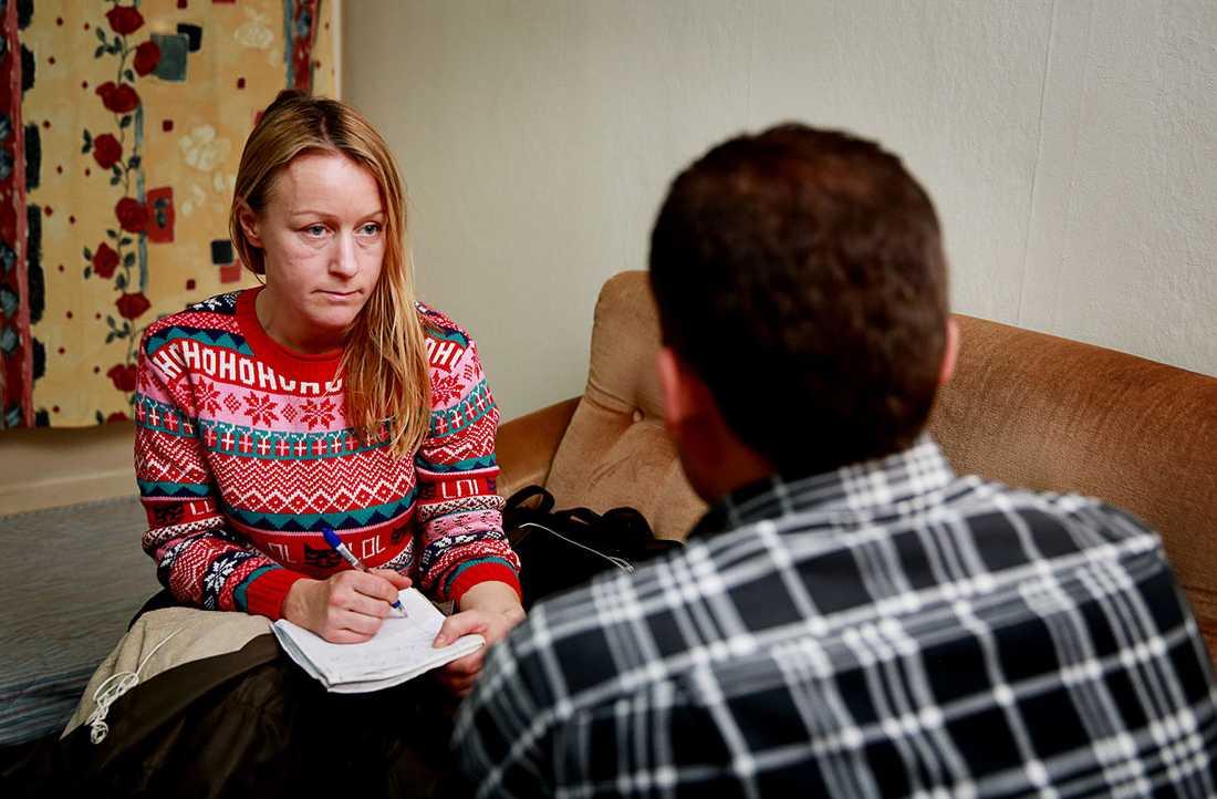 """""""Jag berättade att han mådde dåligt, men de gjorde inget"""", säger pappan till den mordmisstänkte 14-åringen."""