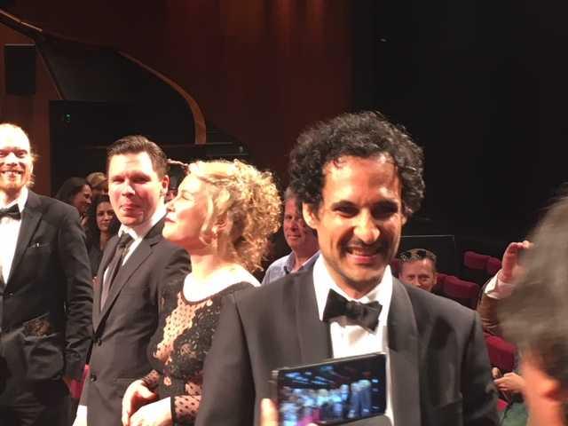 Eva Melander o Ali Abbasi gläds över publikens reaktioner i salongen i Cannes.