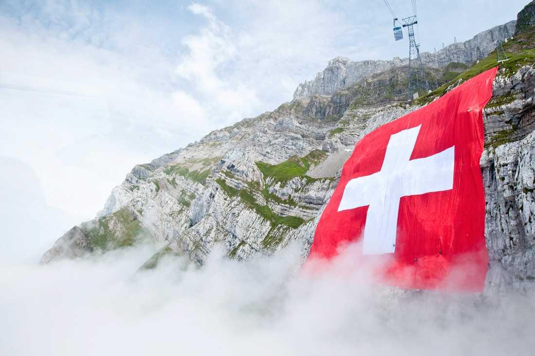 Den schweiziska migrationsmyndigheten har för första gången fråntagit en person med dubbelt medborgarskap det schweiziska medborgarskapet på grund av terrorrelaterad brottslighet. Arkivbild.
