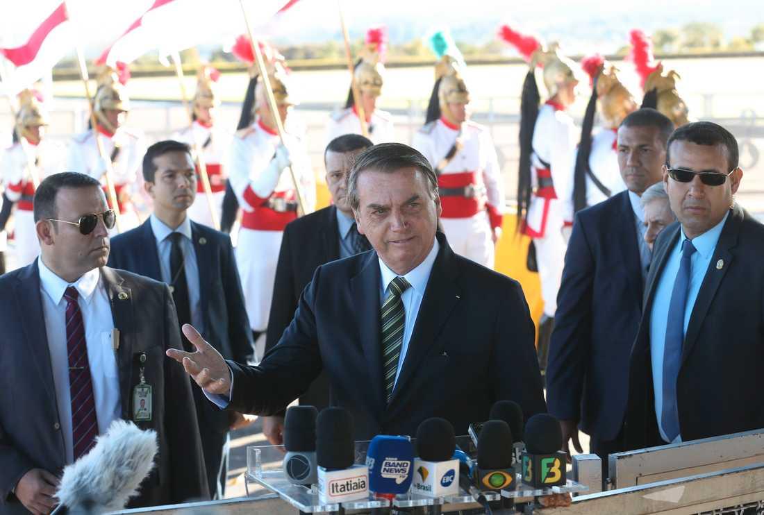President Jair Bolsonaro under en pressträff utanför presidentresidenset. Arkivbild.