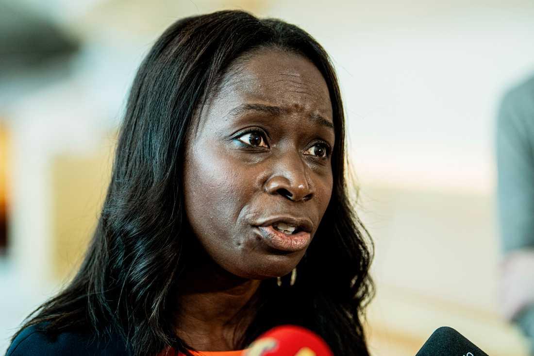 Nyamko Sabuni har hotat att spräcka Januariavtalet.