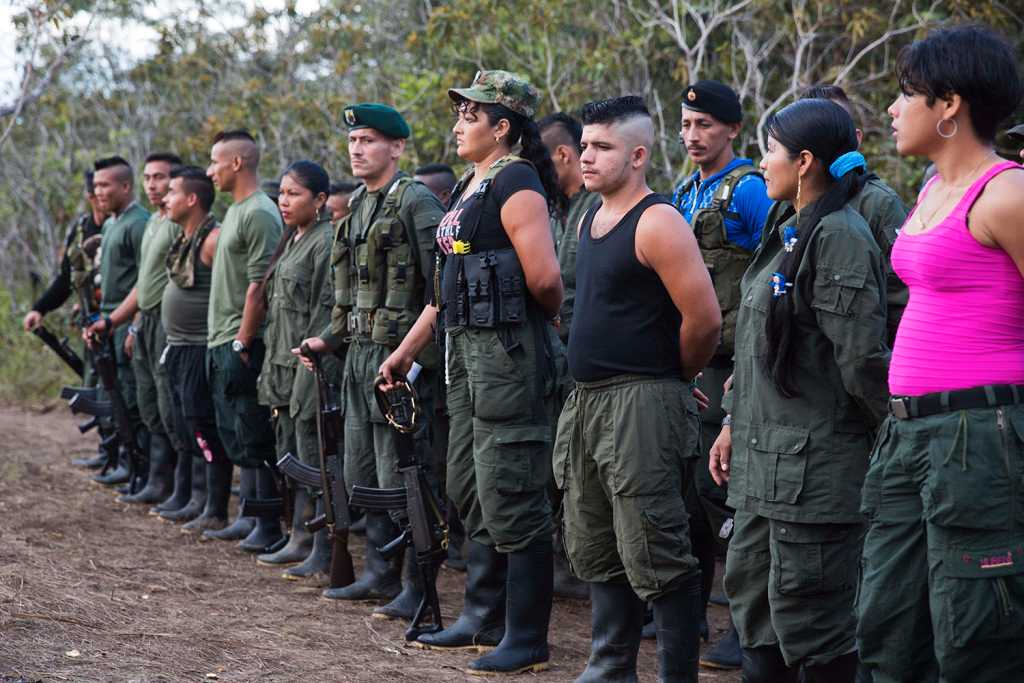 Farc-rebeller kommer nu byta uniformer mot civila kläder. Foto: AP
