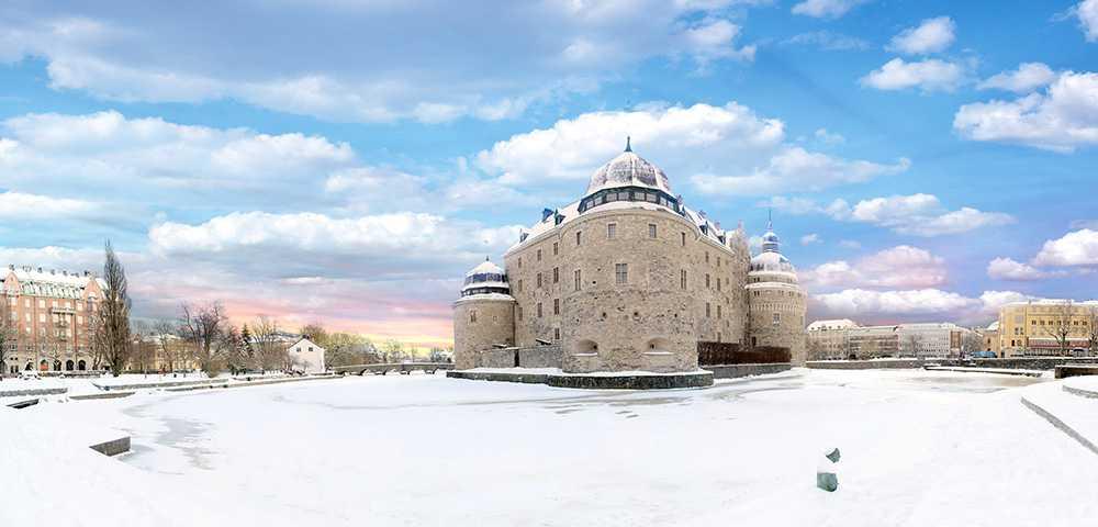 I Örebro finns både slott och vattenland.