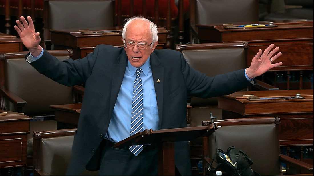 Senator Bernie Sanders ger upp försöken att bli Demokraternas presidentkandidat. Arkivbild.