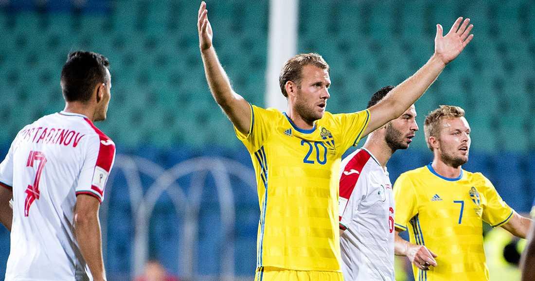 Toivonen ser ut att petas till förmån för Christoffer Nyman. Däremot är Sebastian Larsson tillbaka från start, enligt senaste träningen.