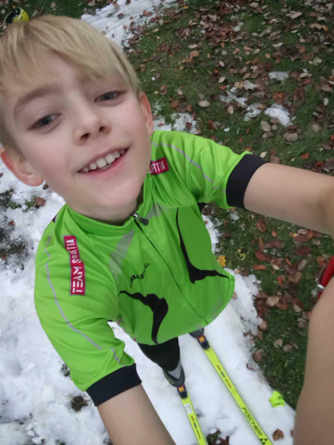 Albin, 12, bestämde sig för att prova om han kunde åka längdskidor varje månad i ett års tid.