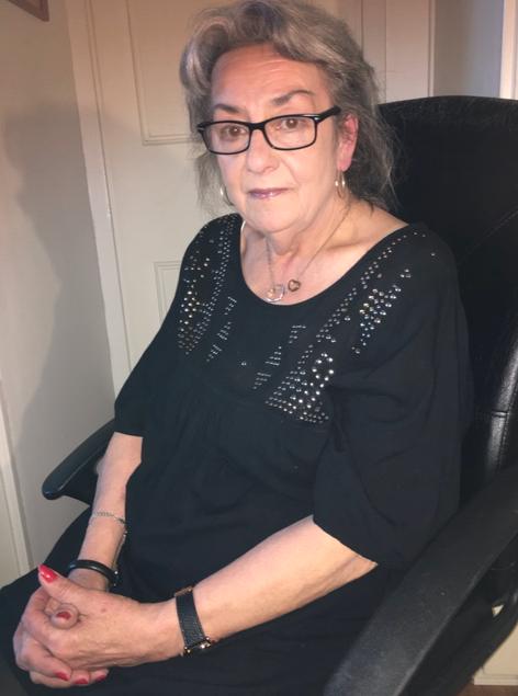 Eva-Lott Eriksson har nu anmält äldreboendet där hennes pappa dog