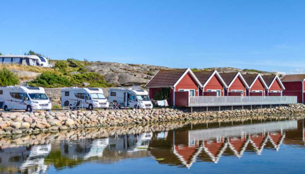 Husbil, tält, stuga eller husvagn. Det finns mycket att välja mellan när du campar.