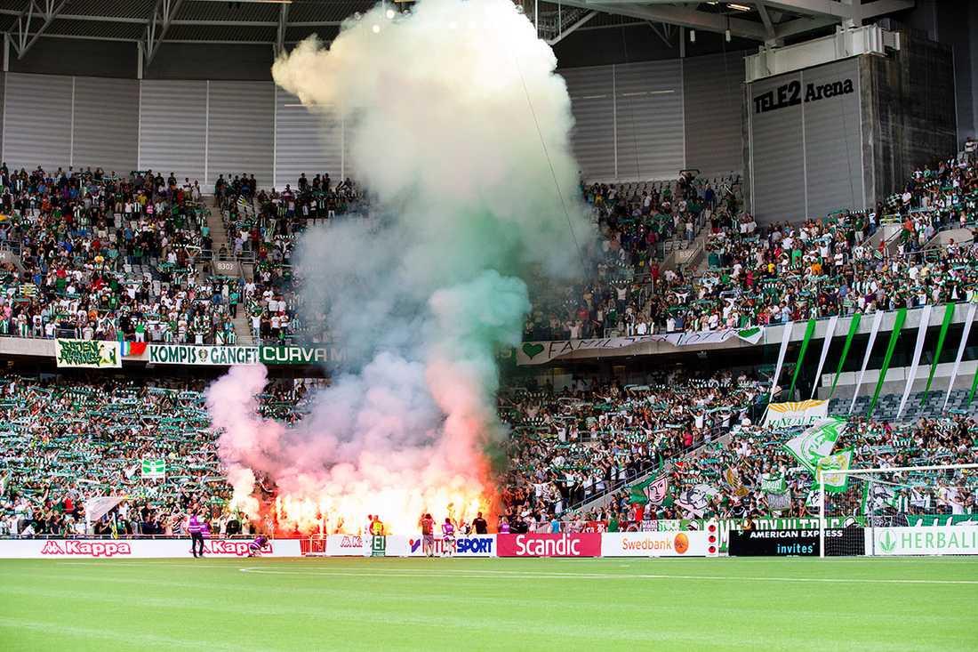 10 augusti, Superettamötet mellan Hammarby och Sundsvall kantas av bengaler på Tele2 arena. Foto: Bildbyrån