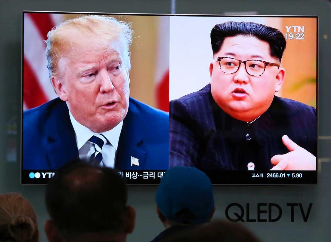 Tv-bilder på Donald Trump och Kim Jong-Un i Sydkorea. Arkivbild.