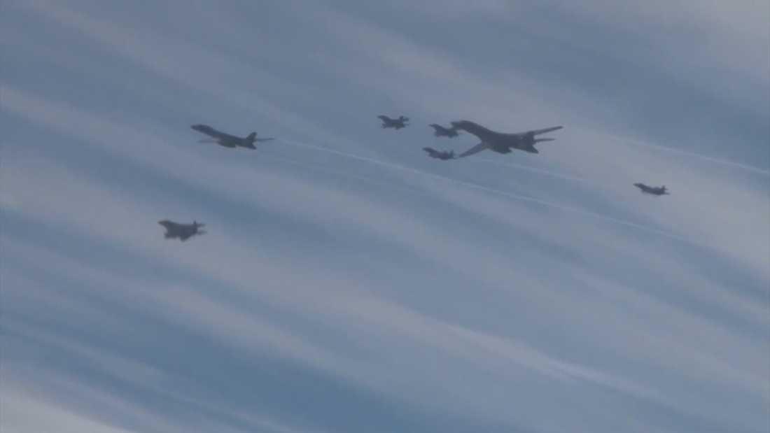 De amerikanska bombplanen.