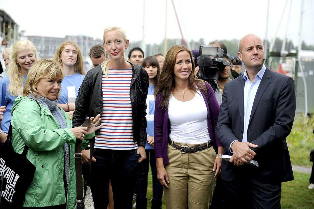 Beatrice Ask, justitieminister, Sofia Arkelsten, partisekreterare, Filippa Reinfeldt, sjukvårdslandstingsråd, och Fredrik Reinfeldr, statsminister.