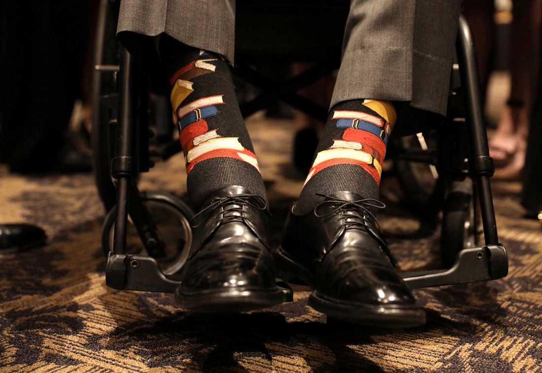 George HW Bush hedrade minnet av sin fru med bokprydda strumpor. Under tiden som presidentfru ägnade Barbara Bush stor energi åt att öka läskunnigheten i USA.