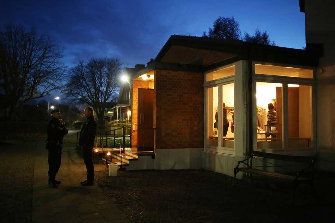 Många sökte sig till kyrkan i Ljungsbro för att prata om det som hänt