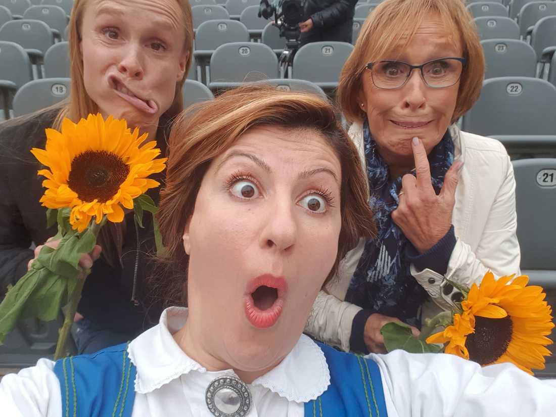 """Eva Rydberg och dottern Birgitta Rydberg är intervjuade i """"Blott Sverige svenska komiker har""""."""