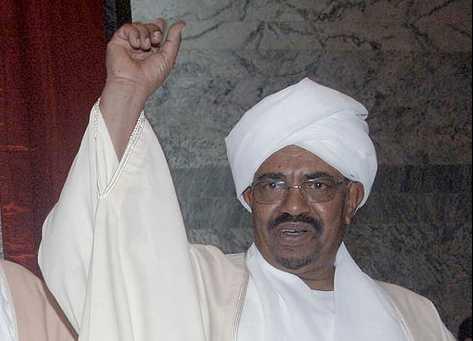 Sudans president Omar al-Bashir är efterlyst av Internationella brottmålsdomstolen för krigsbrott i Darfur.