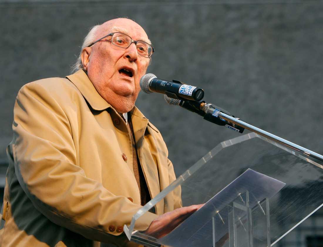 Den italienske författaren Andrea Camilleri har dött. Han blev 93 år. Arkivbild.