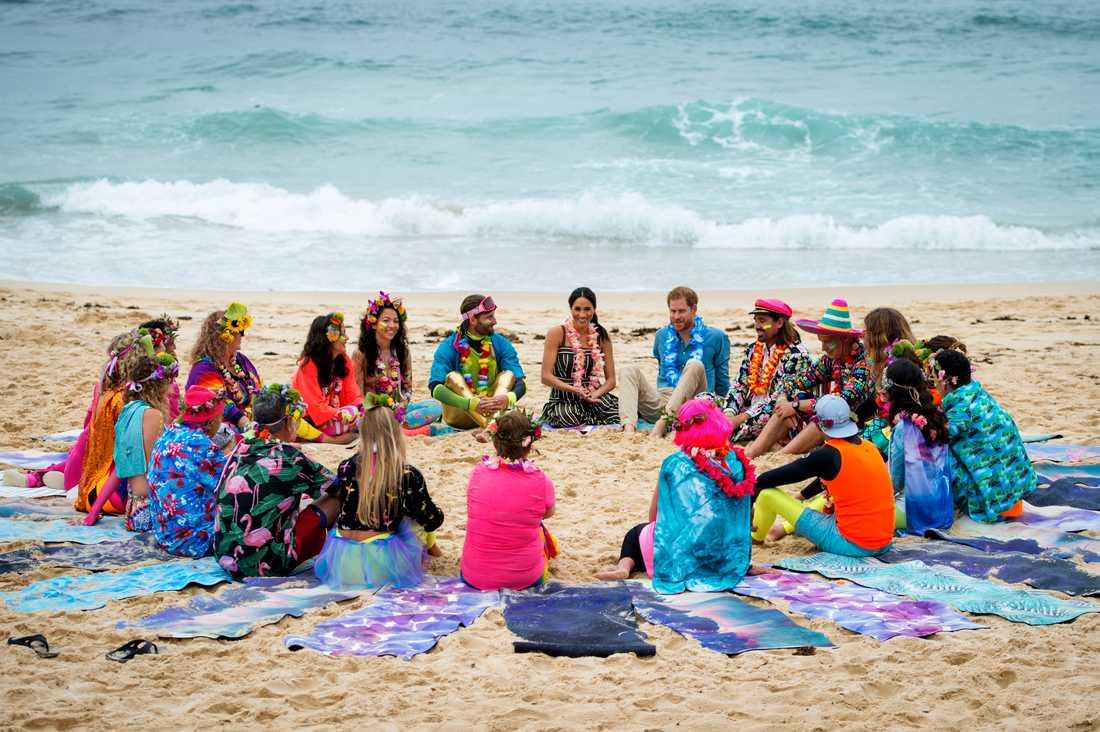 Besöket på Bondi Beach är en del av parets Australien-turné.