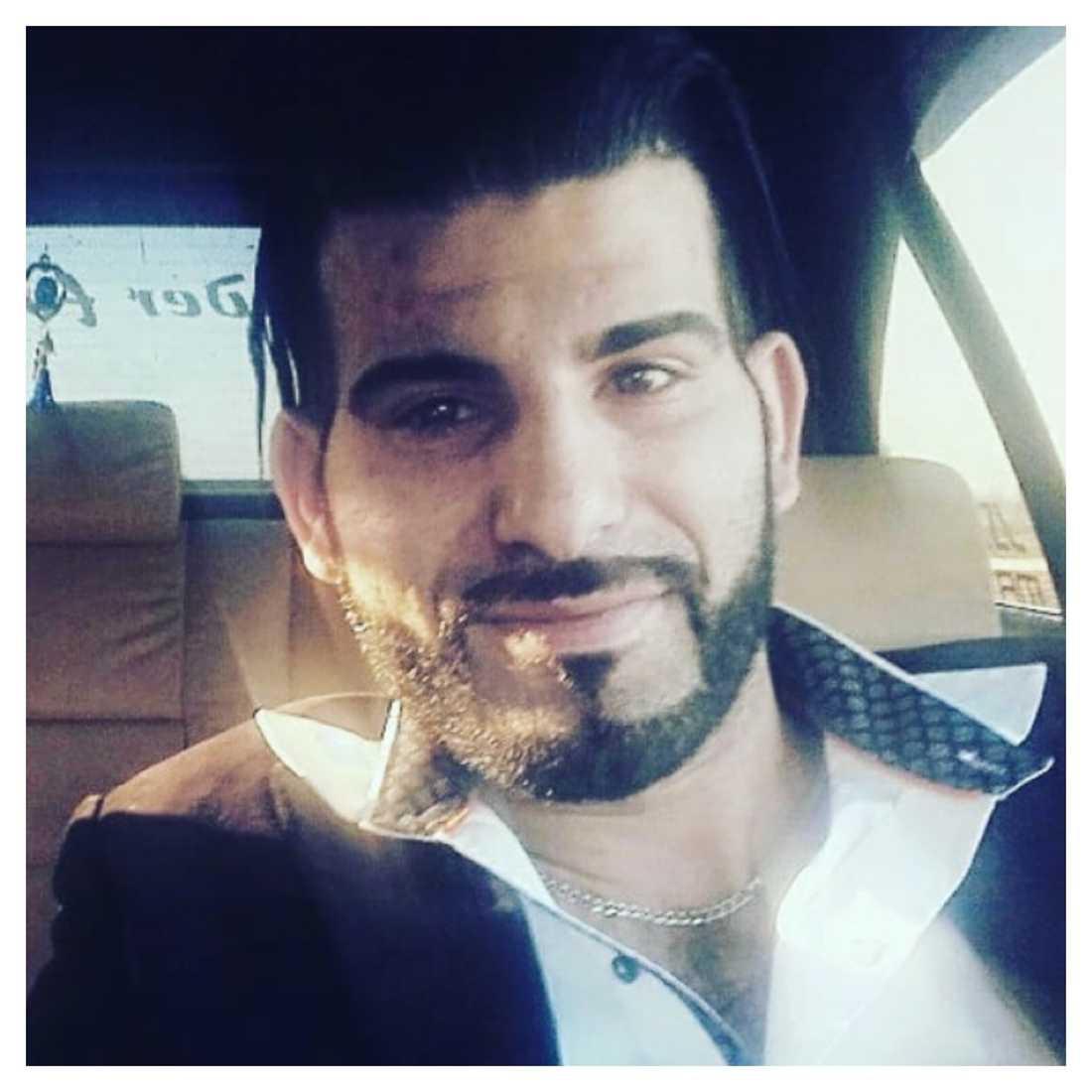 Maher Al-Mukhtar jobbar själv som lastbilschaufför och förundrads över att så många vittnen bara tittade på när lastbilen började brinna.