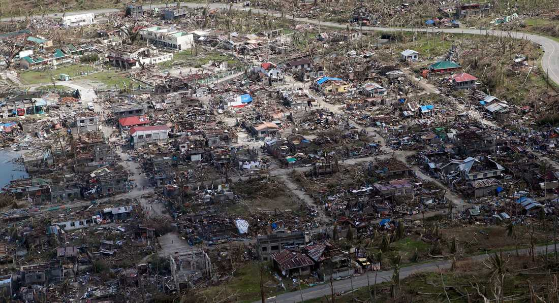 10 000 tros ha dött – bara i Tacloban.