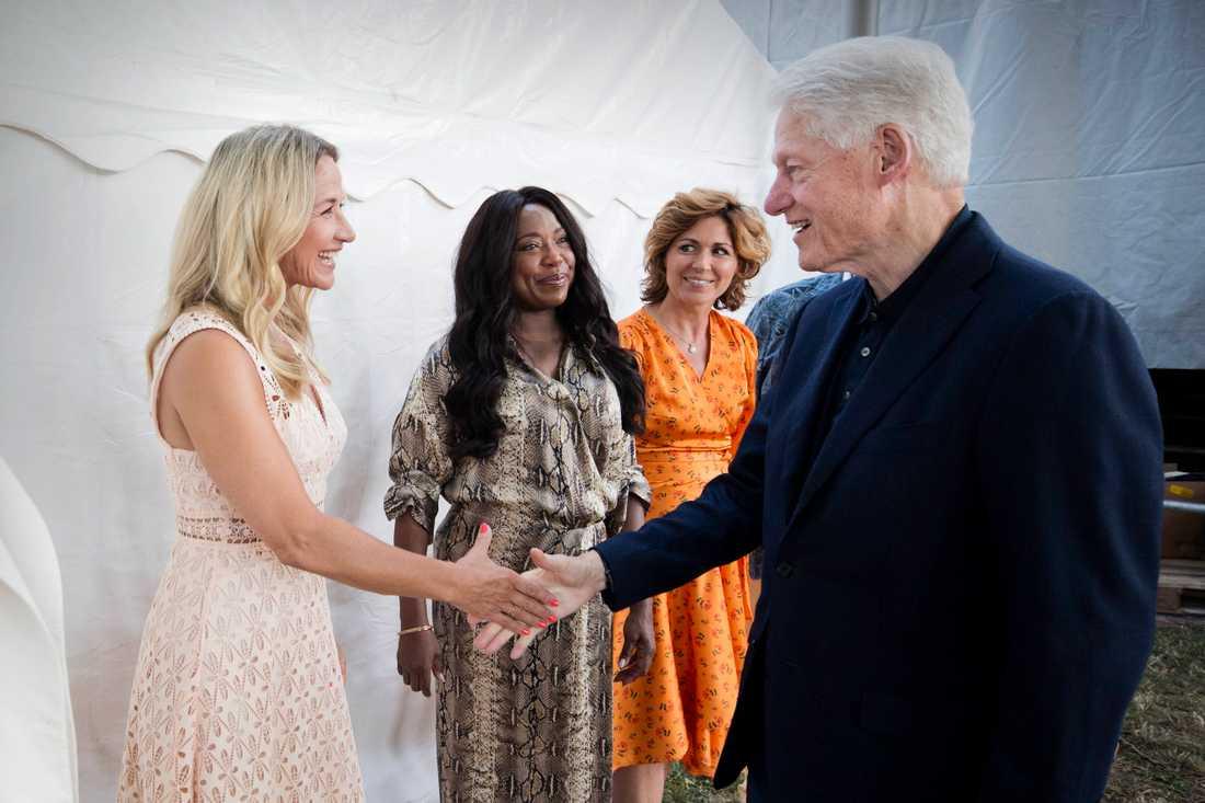 Kristin Kaspersen och Bill Clinton när de träffas.