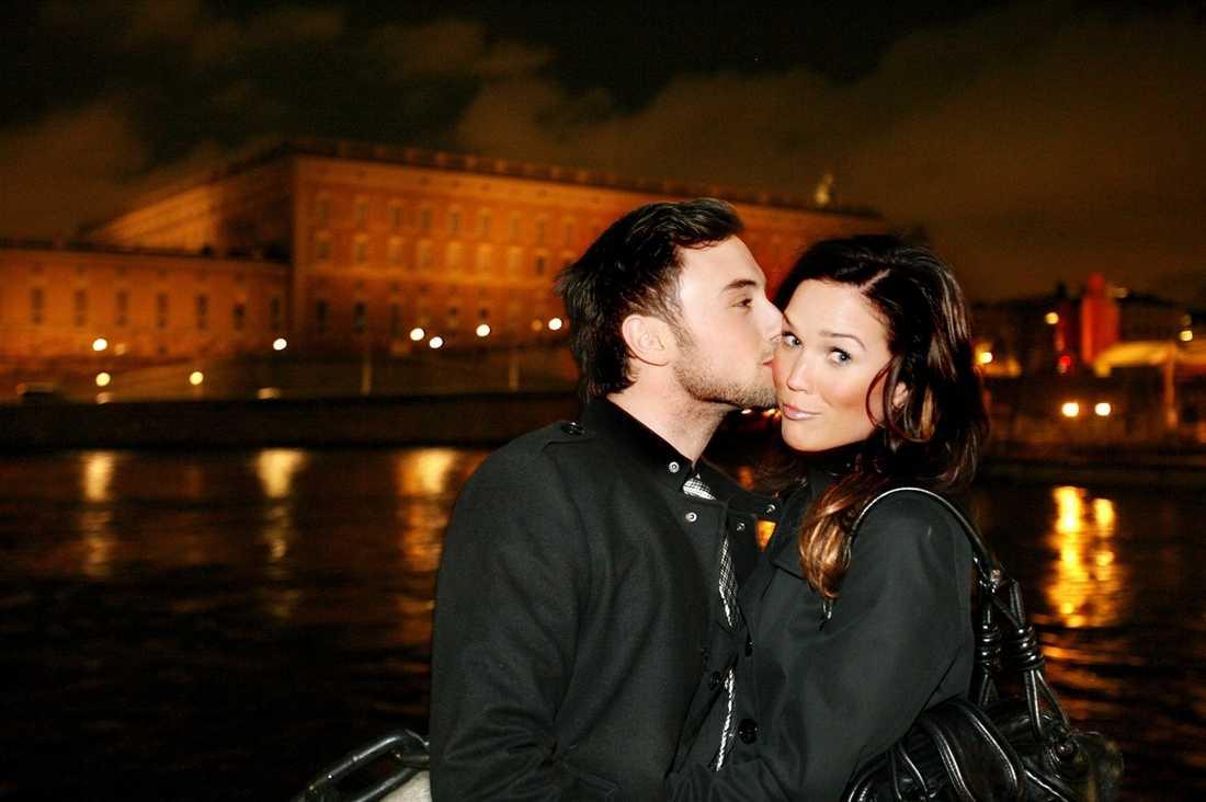 """Kyssäkta Måns Zelmerlöw är kär – i Marie Serneholt. """"Hon är så vacker,"""" säger han."""