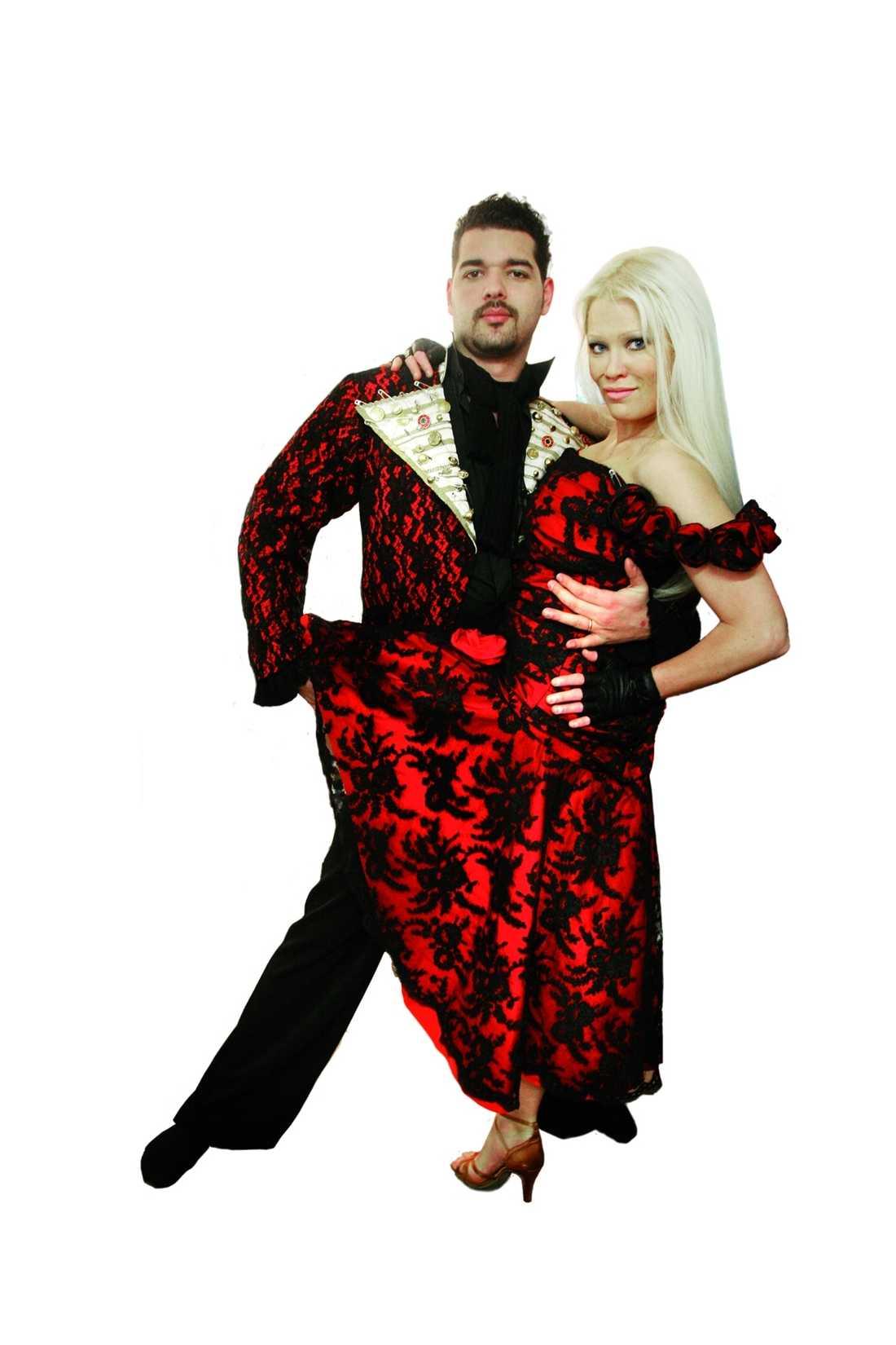 Daniel da Silva och Linda Lampenius drar en tango.
