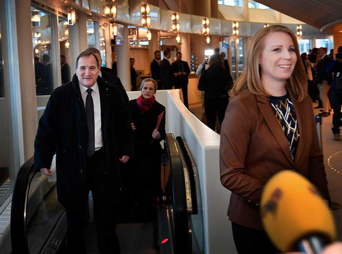Stefan Löfven och Annie Lööf i riksdagen.