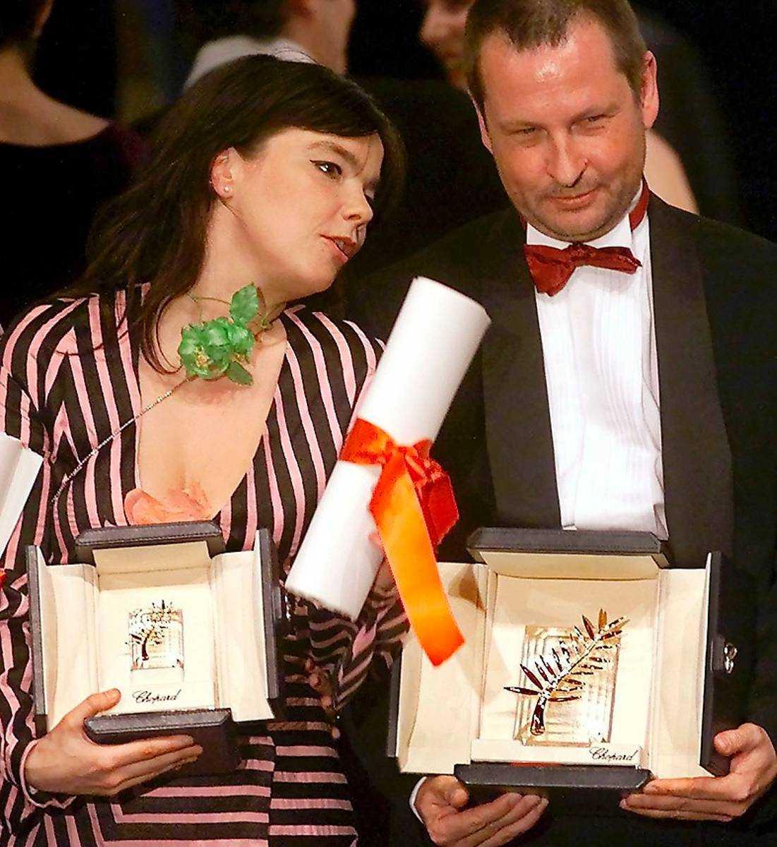 Får guldpalmen med Björk år 2000.