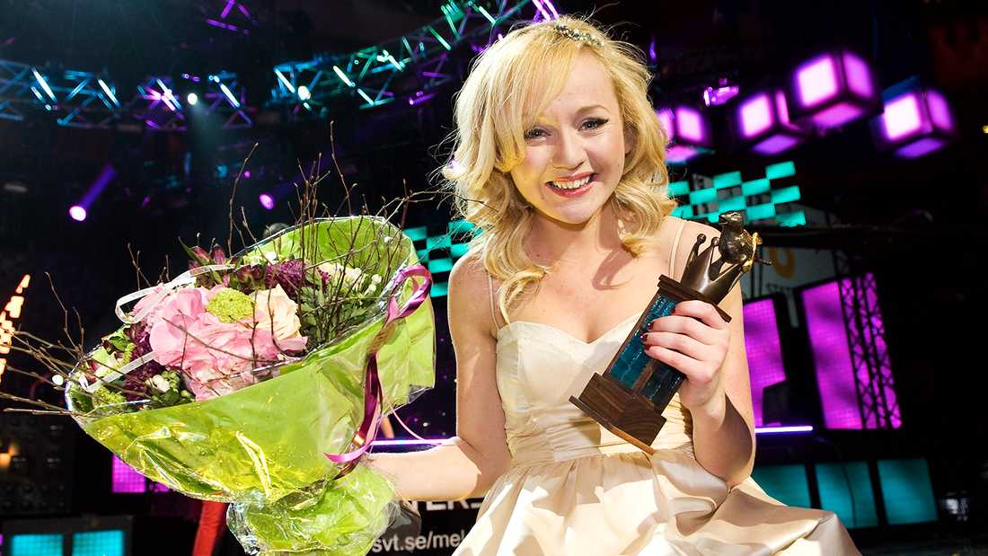 "Anna Bergendahl efter segern i Melodifestivalen 2010 med ""This is my life""."