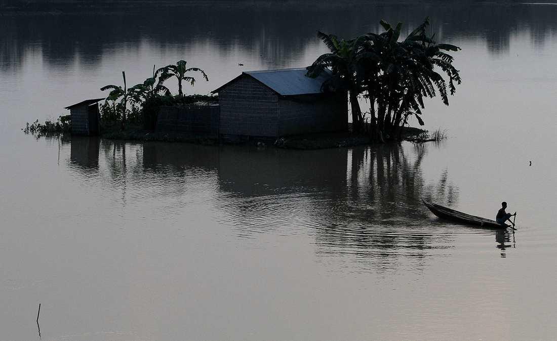 VÄRLDENS BLÖTASTE PLATS Mawsynram i nordöstra Indien snittar 11872 mm regen om året och innehar dessutom rekordnoteringen 28000 mm från år 1985 i Guinness rekordbok.