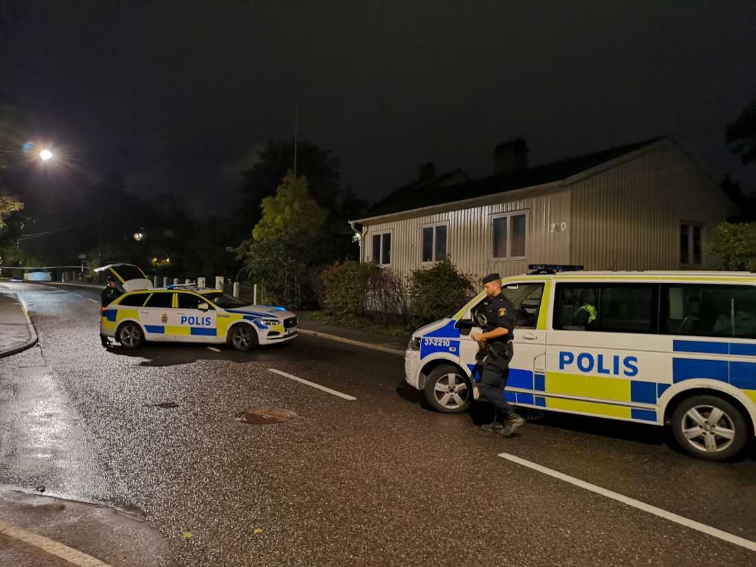 Poliser i Älvsjö.