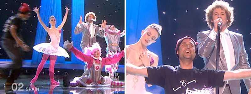 """""""Jimmy Jump"""" springer in på scenen mitt under Spaniens bidrag. Sedan jagas han av scenen och blir utkörd av vakterna."""