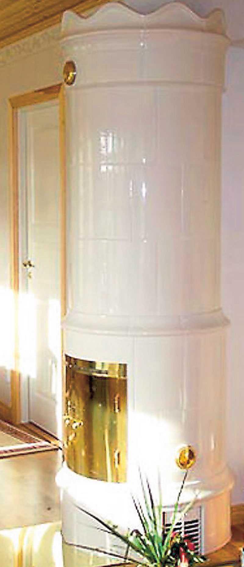 Drottningholm. Modellen har hämtat inspiration från den populära gustavianska inredningsstilen. Pris: 56500 kr. www.gabrielkakelugnar.se