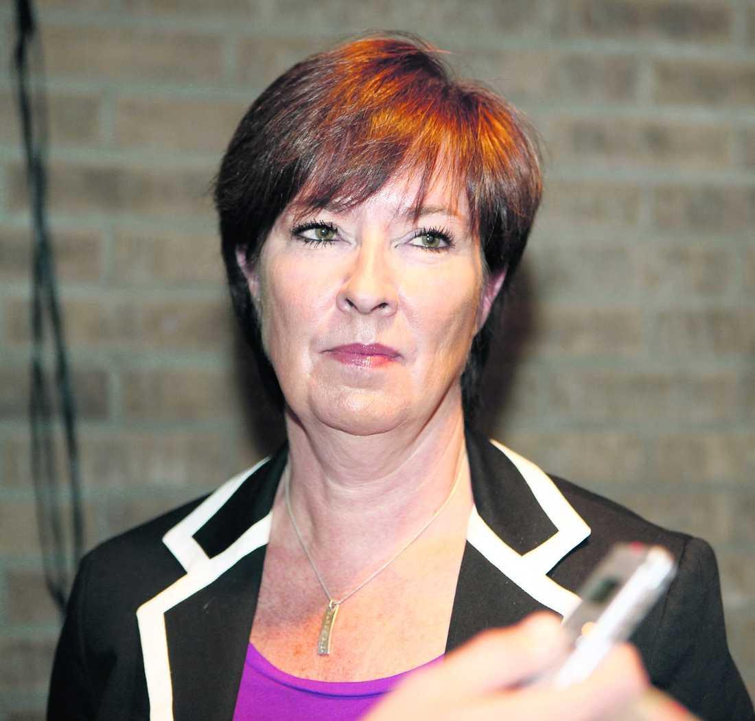 raset för socialdemokraterna 1998 hade Socialdemokraterna 36,4 procent av rösterna. I det senaste valet 2010 är den siffran nere i 30,7 procent. Ett nederlag för Mona Sahlin.