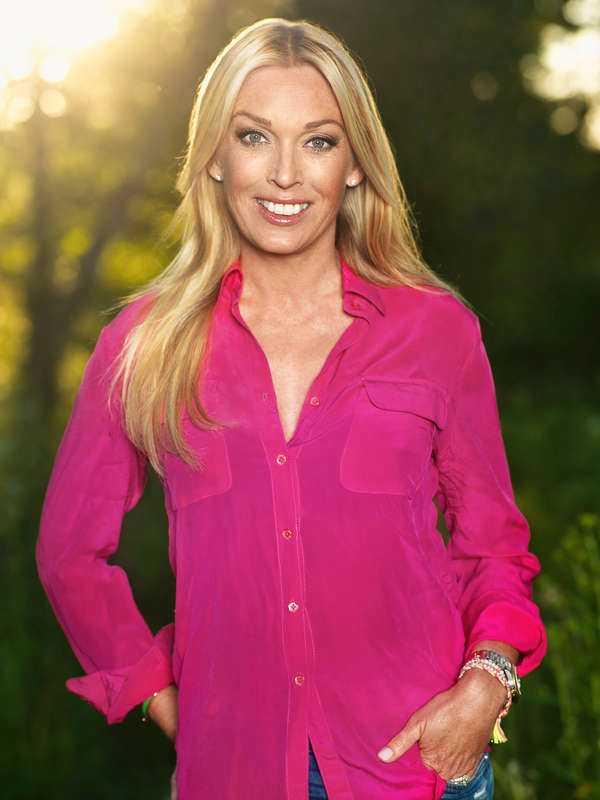 Programledaren Linda Lindorff, 43.
