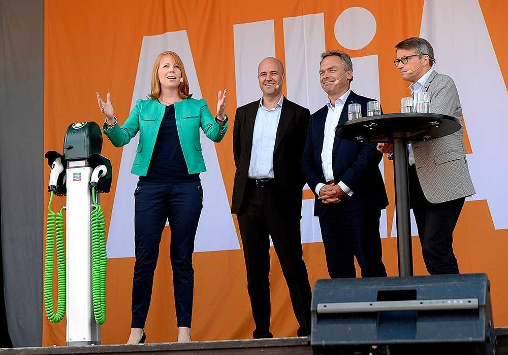 I dag sparkade de fyra partiledarna i Alliansregeringen igång sin gemensamma turné i valrörelsen. De gjorde det med ett torgmöte i Sundsvall.