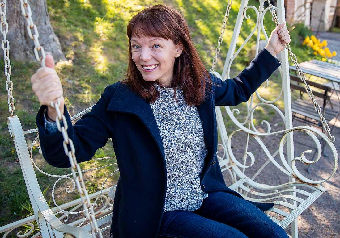 """Lina Wolff är jublande glad när Aftonbladet träffar henne i Lund. Hennes roman """"Köttets tid"""" belönas med Aftonbladets litteraturpris för 2019."""