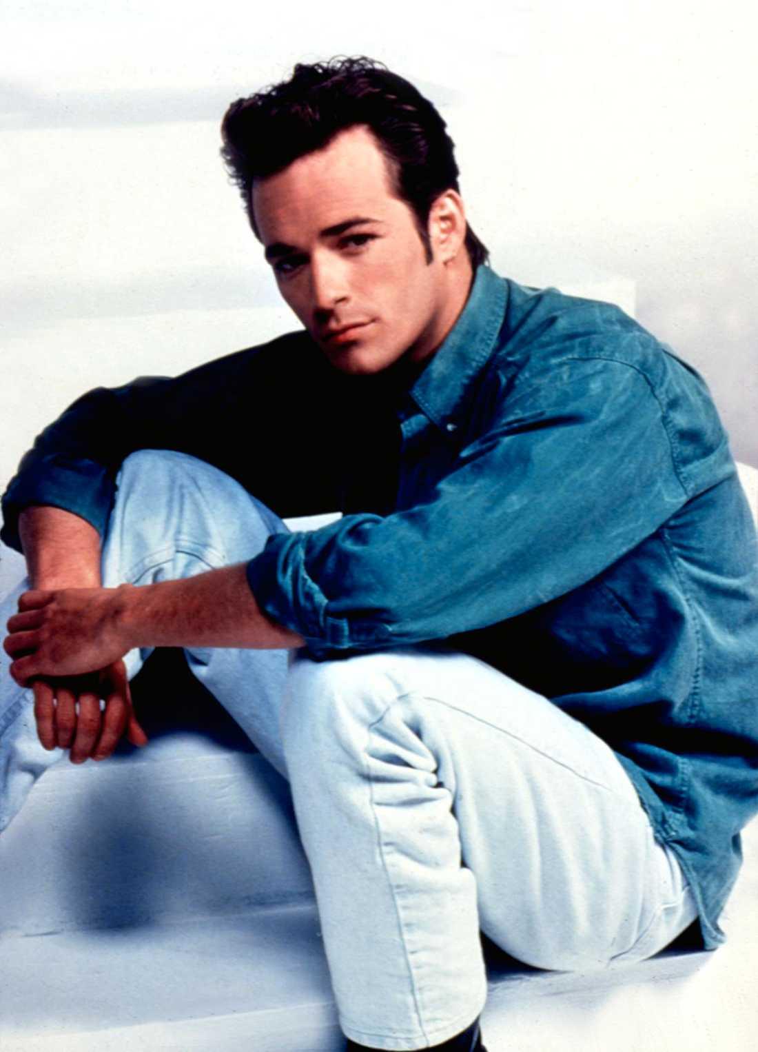 Luke Perry, på 90-talet, under inspelningarna av Beverly Hills.