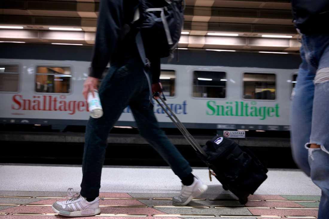Resorna kommer gå med tåg till Röjan station och därefter buss.