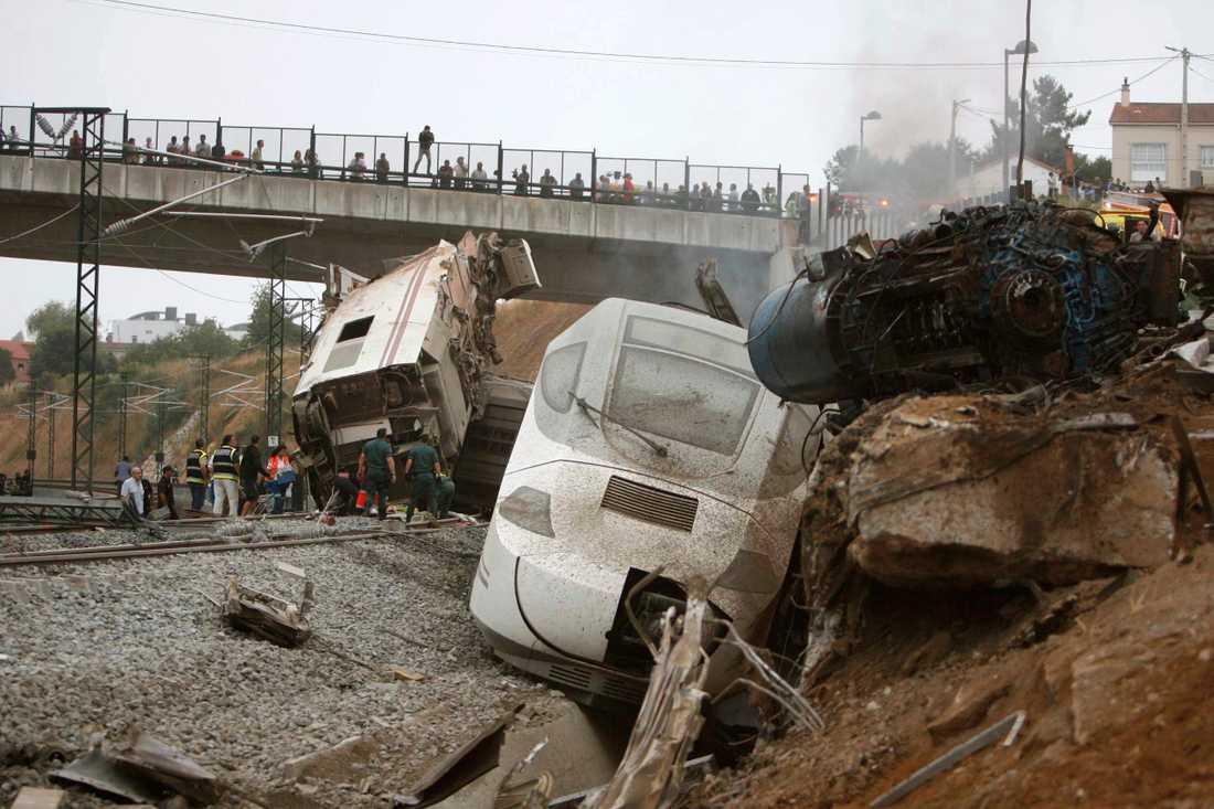 Olyckan uppges vara den värsta i Spanien på 40 år enligt experter.