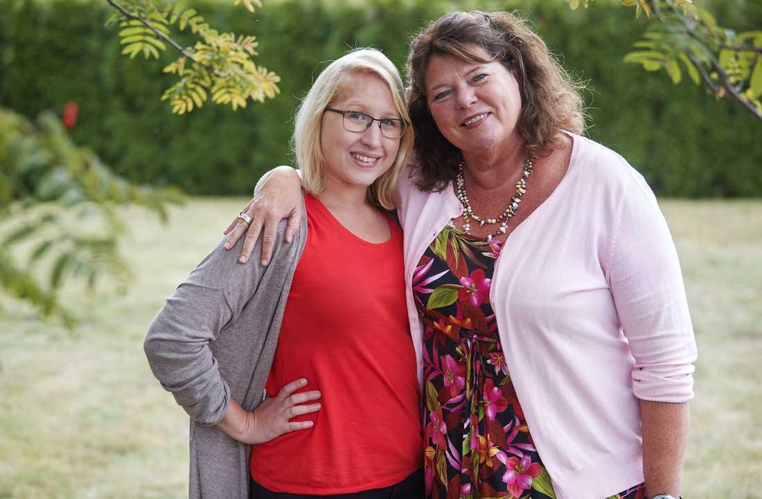 Agneta Almqvist är coach/terapeut, dock inte Emmas - de två är vänner. Hon har skrivit boken om Emma.  – Jag har gått igenom alla känslor under arbetet – chock, sorg, ilska, glädje. Jag är otroligt imponerad av Emma och alla som jobbat med henne.