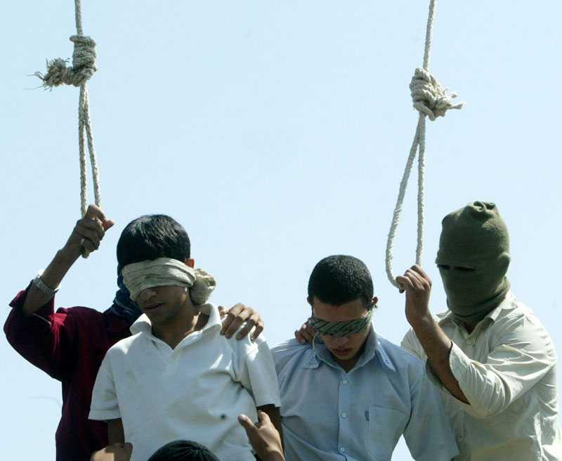 TYSTAR REGIMKRITIKEN Hittills i år har 230 personer avrättats i Iran, bland annat tre av Reza Barzjanehs vänner. Bilden är från en annan avrättning.