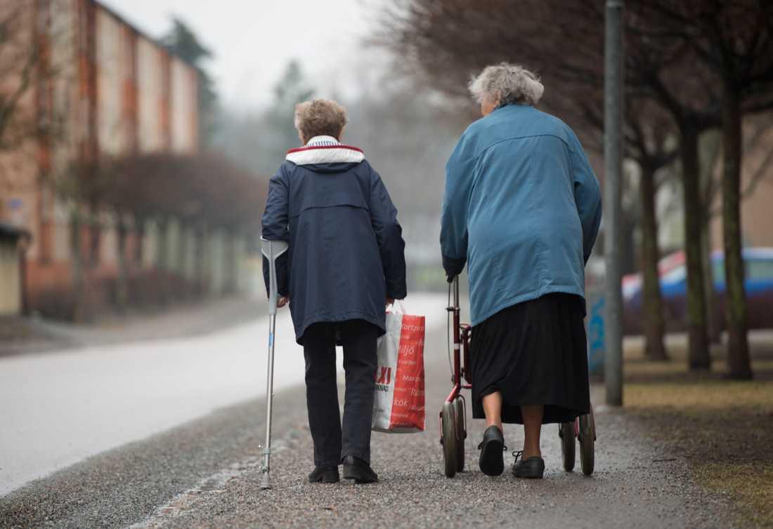 Pensionärer får mer pengar kvar.