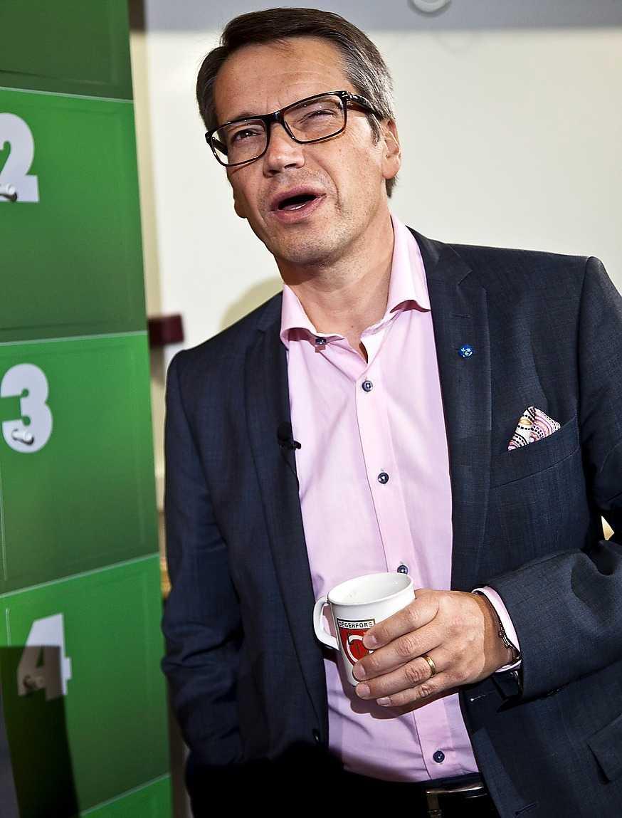 Göran Hägglund utmanas nu officiellt av Mats Odell som vill bli ny partiledare för Kristdemokraterna.
