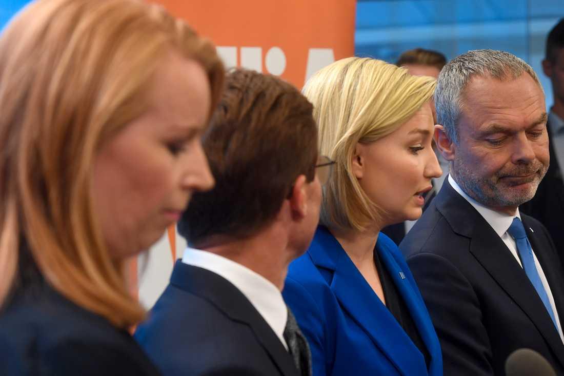 Partiledarna i Alliansen, Annie Lööf (C), Ulf Kristersson (M), Ebba Busch Thor (KD) och Jan Björklund (L).
