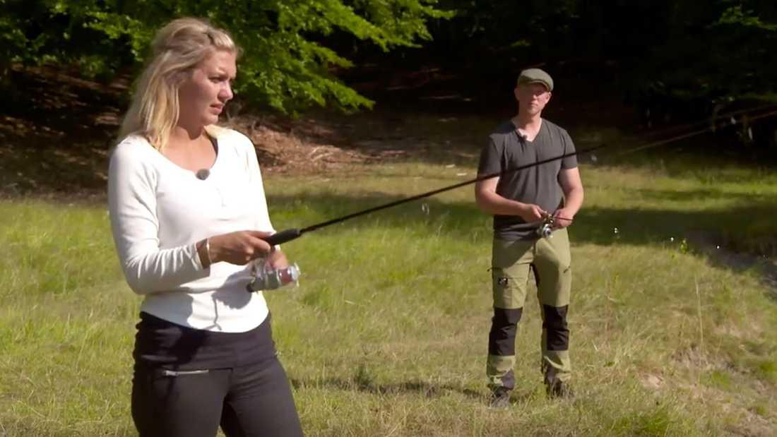 """Fiskedejten på tu man hand går åt pipan för Caroline och Erik i """"Bonde söker fru""""."""