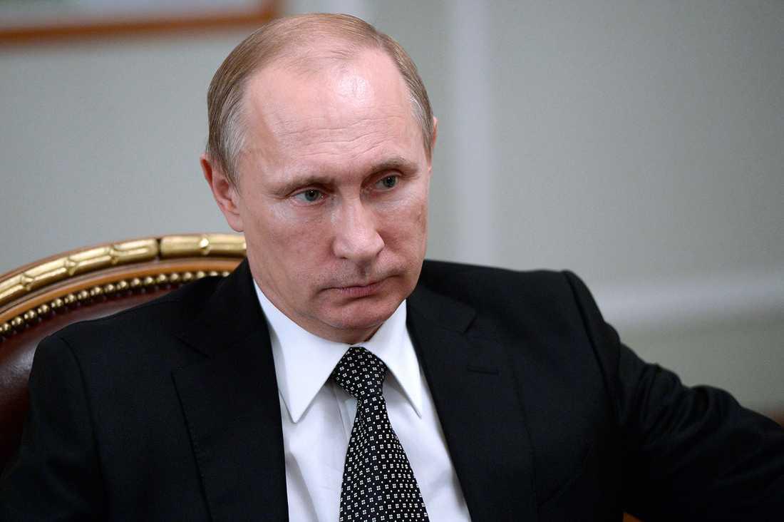 STÅR KVAR Inget talar för att Putin försvinner med svansen mellan benen bara för att Ukraina får kapacitet att förstöra ryska stridsvagnar, skriver Wolfgang Hansson.
